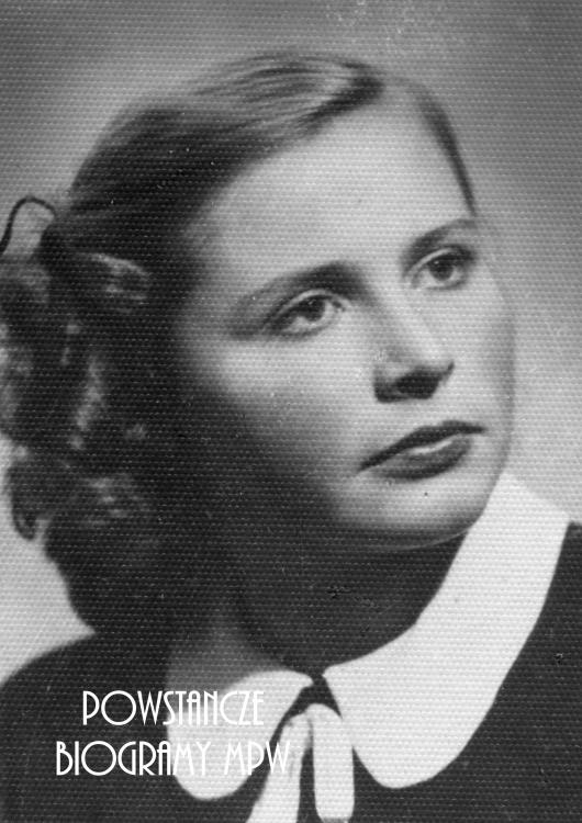 """Maria Podobińska, po wojnie Mazierska """"Biała"""" (1931 - 2016). Fot. materiały do Słownika Uczestników PW."""