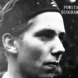 Zdjęcie filmowe z Powstania Warszawskiego. Mokotów. Powstaniec z plutonu 1110 dywizjonu