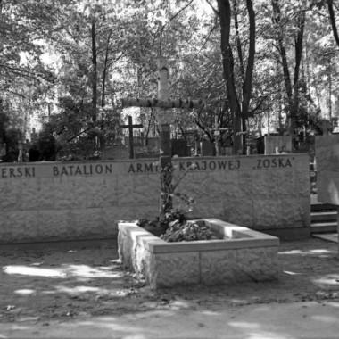 Fotografie grobów żołnierzy bat.