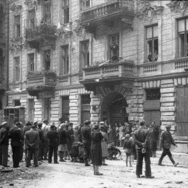 Fotografia z Powstania Warszawskiego autorstwa Edwarda Wojciechowskiego