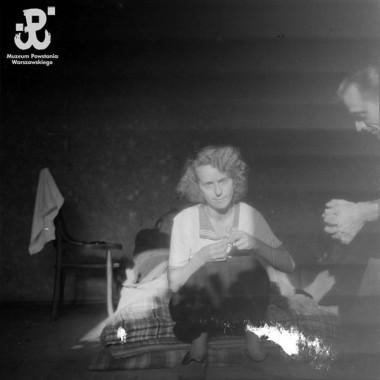 Negatywy zdjęć z powstania warszawskiego, autorstwa ofiarodawcy, ktory był najmłodszym fotoreporterem w powstaniu