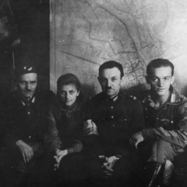 Fotografie z Powstania Warszawskiego autorstwa Zygmunta Kukieły