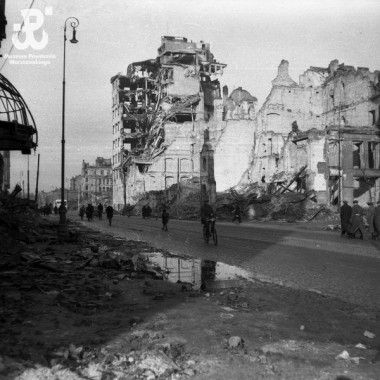 Negatywy autorstwa Edwarda Dziewońskiego z lat 1945-46