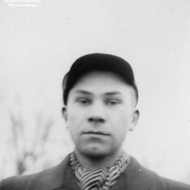Albumy z fotografiami autorstwa Olgierda Budrewicza z lat 1939-1941, 1941-1944 i  1945-1949