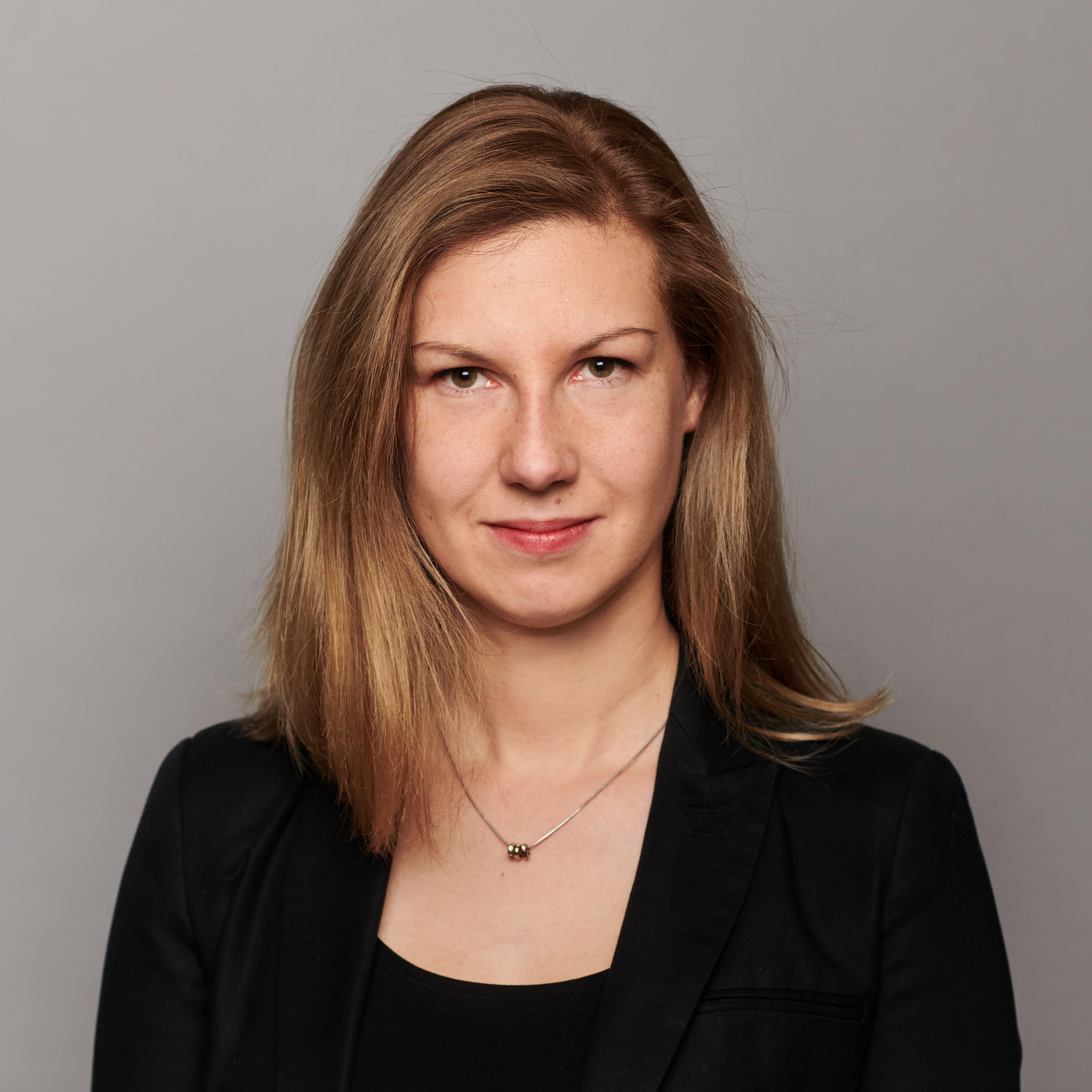 dr Karolina Wolska-Pabian