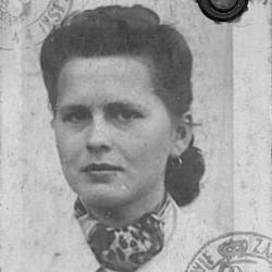 Janina Danuta Nowińska z domu Woźniak (1924-1944), zdjęcie z kenkarty udostępnionej przez p. Izabellę Grotowicz
