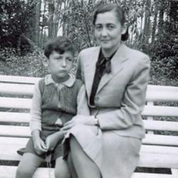 Felicja Lewandowska z synem Andrzejem, fotografia udostępniona przez syna Pana Andrzeja Lewandowskiego