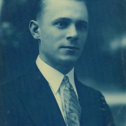 Edward Harkawik (1909-1945), fotografia ze zbiorów Muzeum Powstania Warszawskiego  P/9309 dar Pani  Ireny Rosińskiej