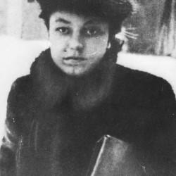 Barbara Baczyńska z domu Drapczyńska (1922-1944), zdjęcie ze zbiorów Muzeum Powstania Warszawskiego sygnatura P/4846