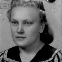 Krystyna Helena Choroszczak (1920-1944), zdjęcie z kenkarty udostępnione przez pana Jana Kosackiego