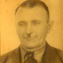 Henryk Fijałkowski (1898-1944), fotografia z Werk-Ausweisa ze zbiorów Muzeum Powstania Warszawskiego nr akcesji P/4347