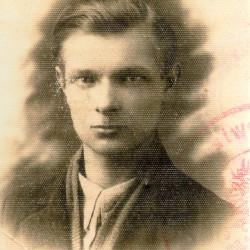 Fotografia ze zbiorów Muzeum Powstania Warszawskiego nr akcesji P/9335 dar Pani Aliny Russ